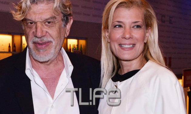 Γιάννης Βούρος: Το νέο look στα μαλλιά και η δημόσια εμφάνιση με τη σύζυγο που δίνει τέλος στα σενάρια χωρισμού! | tlife.gr