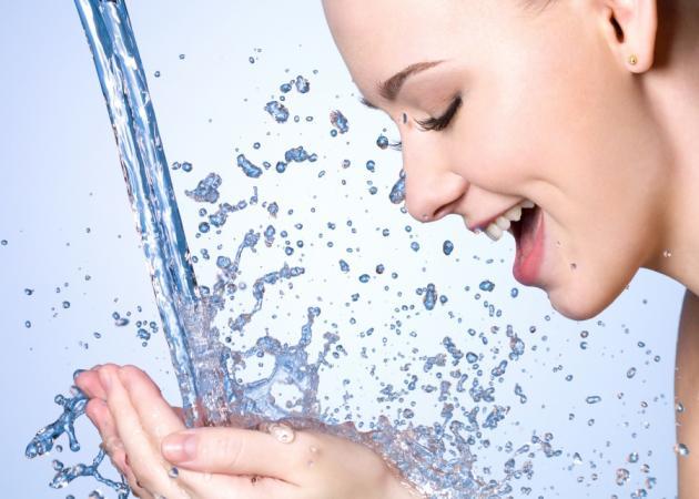 Νερό: Το «θαύμα» της ζωής! Μάθε να ενυδατώνεσαι σωστά | tlife.gr
