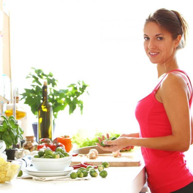 Πώς θα σταματήσεις να δοκιμάζεις το φαγητό που μαγειρεύεις για να μην παχαίνεις; Με αυτό το trick! | tlife.gr