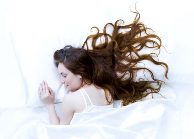 ΚΑΝΕ ΤΟ ΤΕΣΤ! Πες μου ποια στάση παίρνεις συνήθως όταν κοιμάσαι, να σου πω ποια είσαι | tlife.gr
