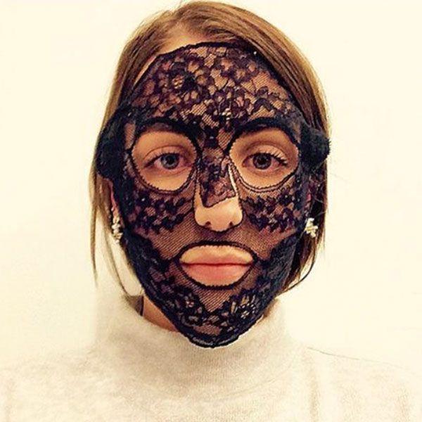 6 | H sheet mask που μοιάζει με έργο τέχνης!