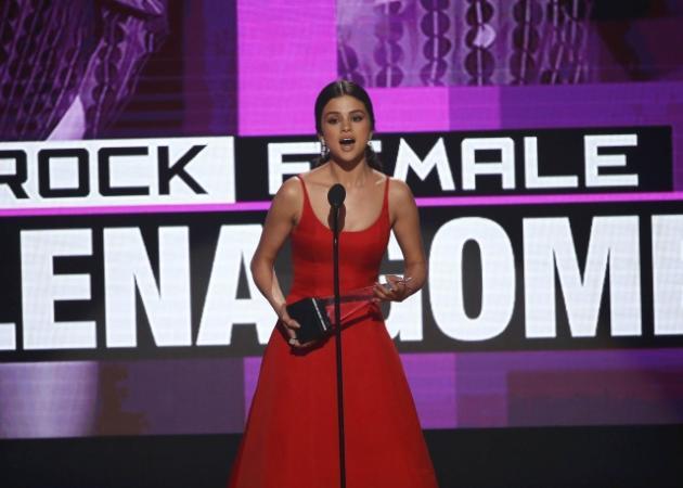 Selena Gomez: Βούρκωσε μιλώντας για το πρόβλημα υγείας της!   tlife.gr