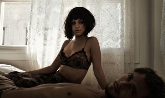 Αγνώριστη η Selena Gomez! Ποζάρει με σέξι εσώρουχα και κοντά μαλλιά | tlife.gr