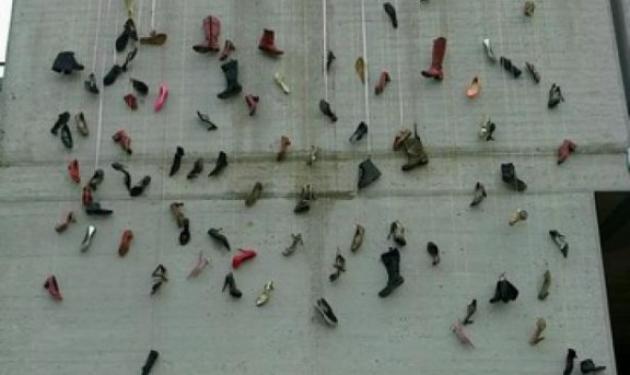 Ημέρα της γυναίκας: Ο Μπουτάρης κρέμασε… γόβες στο Δημαρχείο!