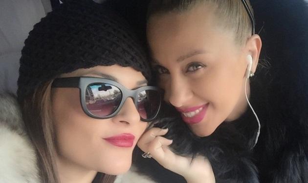 Γωγώ Μαστροκώστα: Σε fashion show με την κουμπάρα της! Φωτογραφίες | tlife.gr