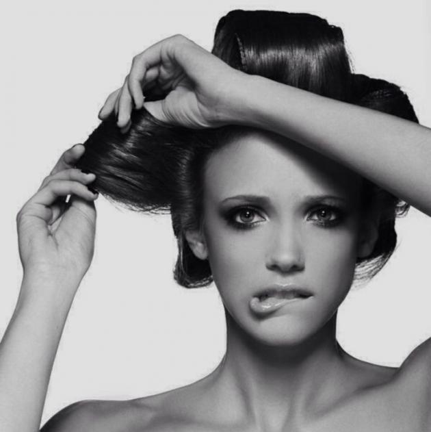 Παίξε με τα μαλλιά σου | tlife.gr