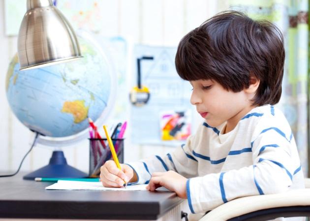 """a68b243eb0a Homework alert: Ποια είναι τα """"sos"""" για να κάνεις το διάβασμα του παιδιού  στο σπίτι… παιχνιδάκι!"""