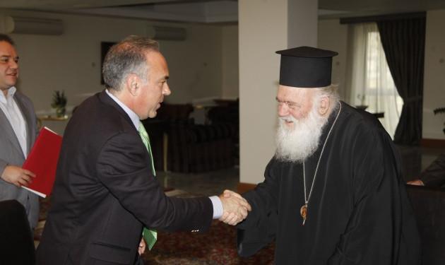 Παραμένει υποχρεωτικό το μάθημα των θρησκευτικών | tlife.gr