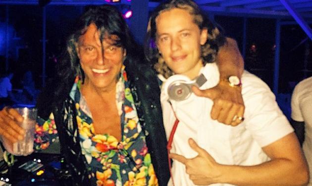 Ηλίας Ψινάκης: Διασκέδασε στη Μύκονο με το γιο του Nicolas Sarkozy!