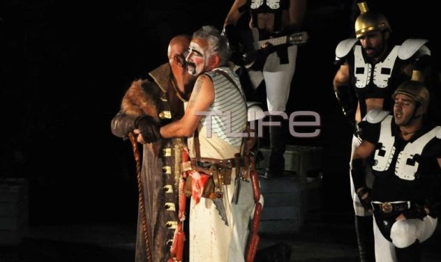 «Ιππής» του Αριστοφάνη! Η αρχαία κωμωδία με τους Π. Φιλιππίδη και Γ. Ζουγανέλη. Δες φωτογραφίες | tlife.gr