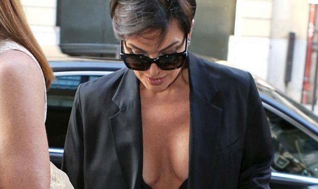 Kris Jenner: Η πρώην σύζυγος της Caitlyn Jenner με αποκαλυπτικό μίνι κι αβυσσαλέο ντεκολτέ! | tlife.gr