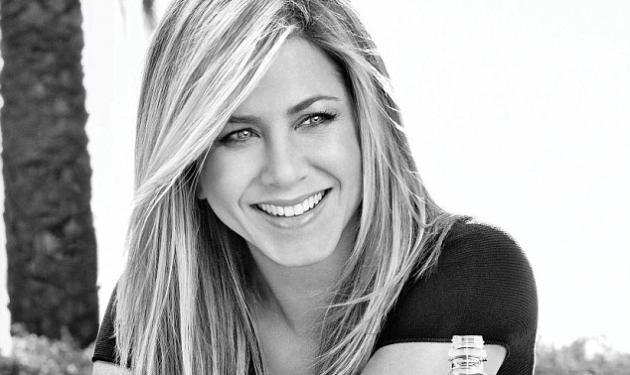 H J. Aniston ποζάρει για διαφήμιση νερού και γυρίζει πίσω τον χρόνο! | tlife.gr