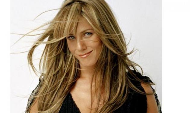 J.Aniston: »Ο κόσμος γελάει μαζί μου!» | tlife.gr