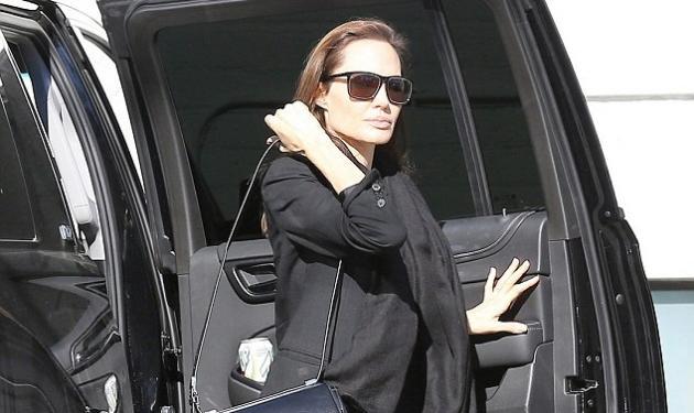 Angelina Jolie: Η ανεμοβλογιά δεν τη… «λύγισε»! | tlife.gr