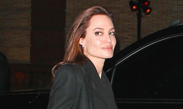 Δες την Angelina Jolie να ποζάρει προκλητικά στο φακό το 1995! Φωτογραφίες