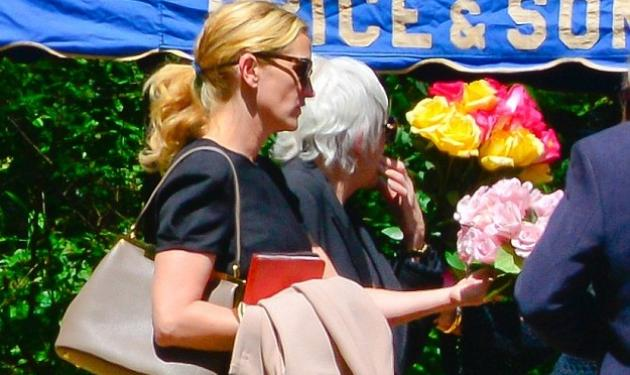 Julia Roberts: Συντετριμμένη στο μνημόσυνο της αδερφής της
