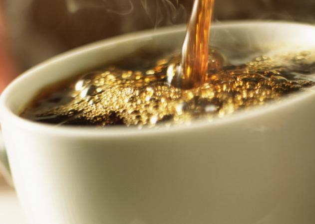 Καφές: Κανονικός VS ντεκαφεϊνέ – Τι σου προσφέρει το κάθε είδος