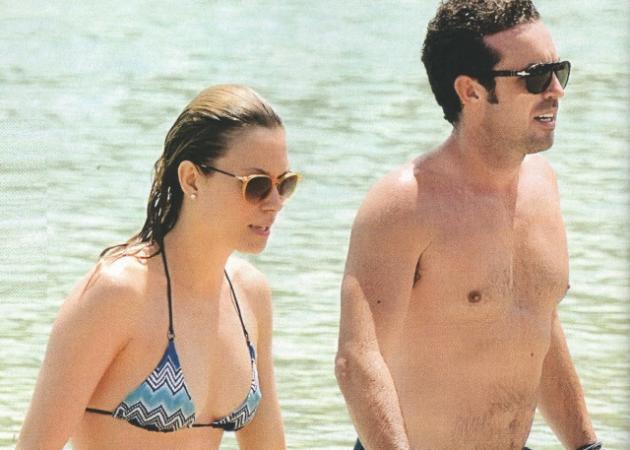 Βίκυ Καγιά: Στην παραλία με τον Ηλία και την Μπιάνκα! | tlife.gr