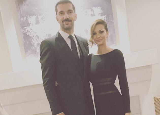 Αλέκα Καμηλά: Η έκπληξη στα γενέθλια του μικρότερου συζύγου της, Πέτζα Στογιάκοβιτς!