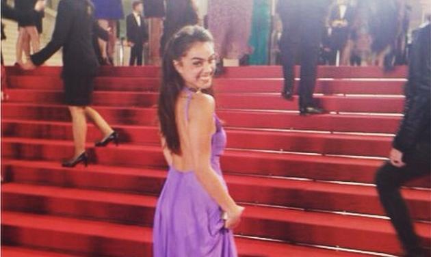 Κόννυ Μεταξά: Η κόρη του Λευτέρη Πανταζή περπάτησε στο κόκκινο χαλί στις Κάννες!