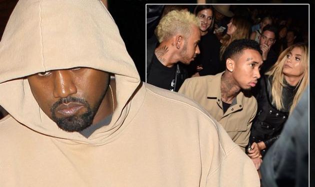Kanye West: Στην πρώτη σειρά αλλά χωρίς καμία διάθεση να φωτογραφηθεί | tlife.gr