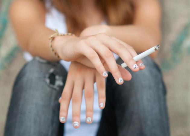 Κάπνισμα στην εφηβεία: Πώς πρέπει να δράσει ο γονιός;