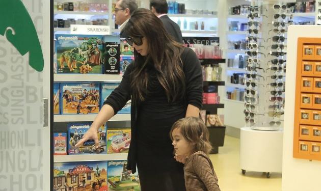 Νέες φωτογραφίες από την άφιξη των Kardashian στην Ελλάδα!