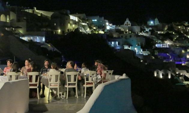 The Kardashians: Οικογενειακό δείπνο στη Σαντορίνη! Φωτογραφίες   tlife.gr