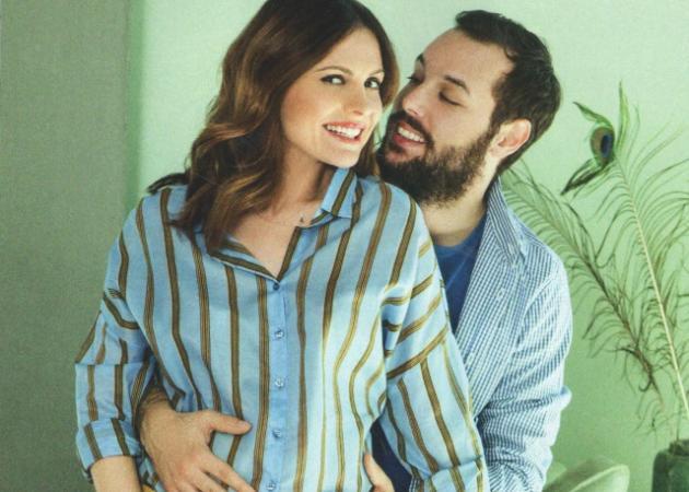 Ελένη Καρποντίνη – Βασίλης Λιάτσος: Η πρώτη φωτογραφία του νεογέννητου μωρού τους!