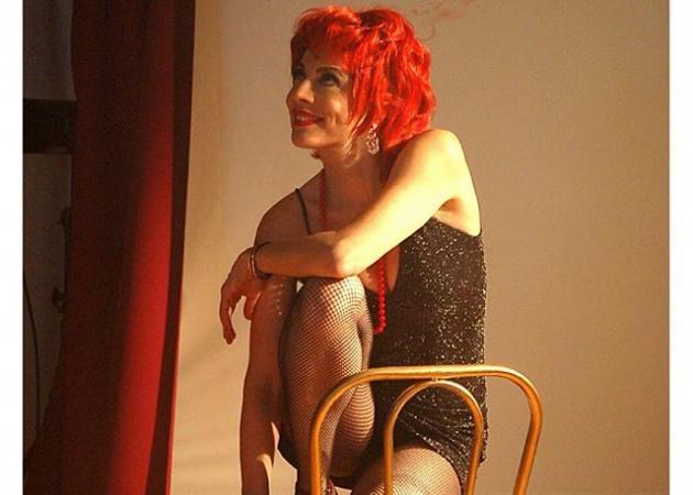 Σμαράγδα Καρύδη: Δεν θα πιστεύεις πόσο ευλύγιστη είναι! Φωτό | tlife.gr