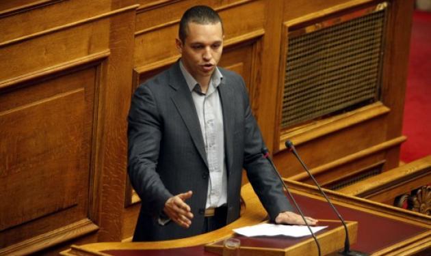Κασιδιάρης στην Ολομέλεια: Είστε όλοι σας παλτά! Να πάτε να … εσείς της ΝΔ! | tlife.gr