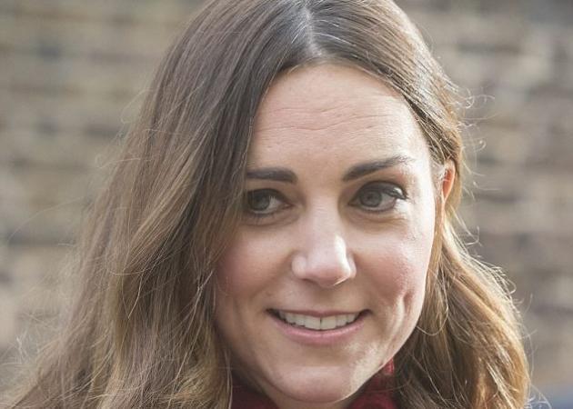 Η Kate Middleton αποκάλυψε τα γκρίζα μαλλιά της όταν εμφανίστηκε με άβαφη ρίζα!
