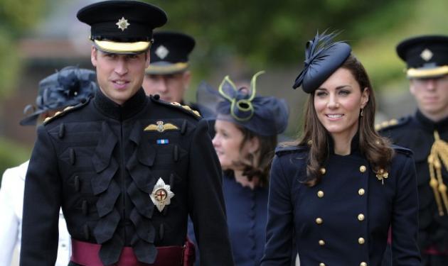 Η Δούκισσα του Cambridge αναλαμβάνει τα βασιλικά της καθήκοντα! Δες φωτογραφίες | tlife.gr