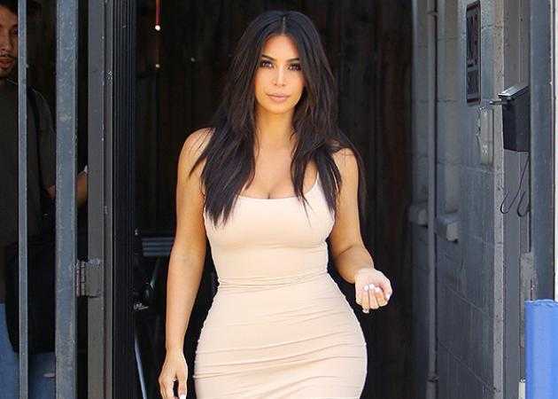 H Kim Kardashian φόρεσε (άλλο) ένα τελείως διαφανές φόρεμα! | tlife.gr