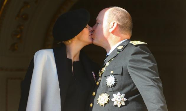 Αλβέρτος του Μονακό – Charlene: Αντέγραψαν το διάσημο φιλί του William και της Kate στο μπαλκόνι!