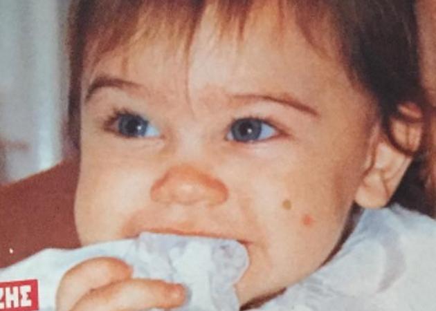 Το χαριτωμένο μωρό, είναι η σέξι κόρη Έλληνα τραγουδιστή που του εύχεται χρόνια πολλά! | tlife.gr