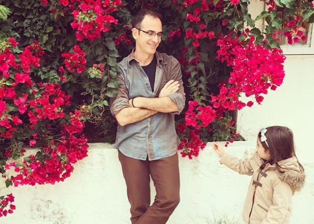 Κώστας Κρομμύδας: Καμαρώνει την κόρη του στο μπαλέτο!   tlife.gr