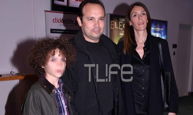 Κώστας Μακεδόνας: Σπάνια έξοδος με το γιο του και τη γυναίκα του! | tlife.gr