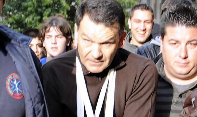 Mηνύσεις στον Α. Κούγια για τους ξυλοδαρμούς. Απίστευτο βίντεο από τα επεισόδια | tlife.gr