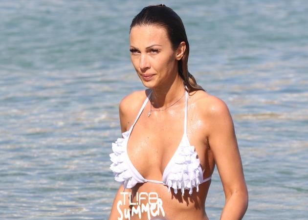 Διονυσία Κουκίου: Έκανε μπάνιο σε παραλία της Μυκόνου και… δεν πέρασε απαρατήρητη! Φωτογραφίες