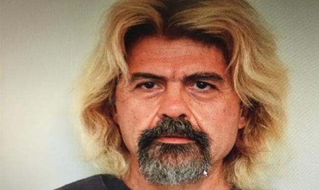 Η φωτογραφία του Χριστόδουλου Ξηρού με τα ξανθά μαλλιά και το μούσι!   tlife.gr