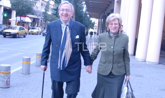 Ο Κωνσταντίνος και η Άννα Μαρία κάνουν βόλτα στο κέντρο της Αθήνας! | tlife.gr