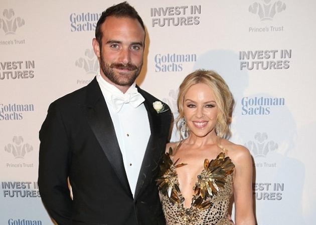 Kylie Minogue: Αρραβωνιάστηκε με τον 28χρονο σύντροφό της! | tlife.gr