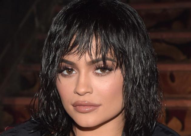 H Kylie Jenner άλλαξε τις συνθέσεις των lip kit της
