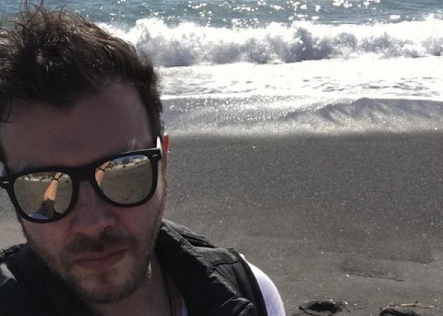 Λάμπης Λιβιεράτος: Χειμερινή απόδραση στη Σαντορίνη!