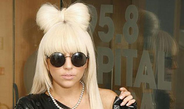 Ο Έλληνας σχεδιαστής που έντυσε την Lady Gaga! | tlife.gr
