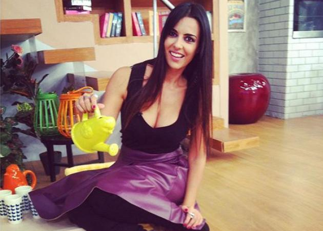 Όλγα Λαφαζάνη: Η έκπληξη που έκανε στον άντρα και την κόρη της! | tlife.gr
