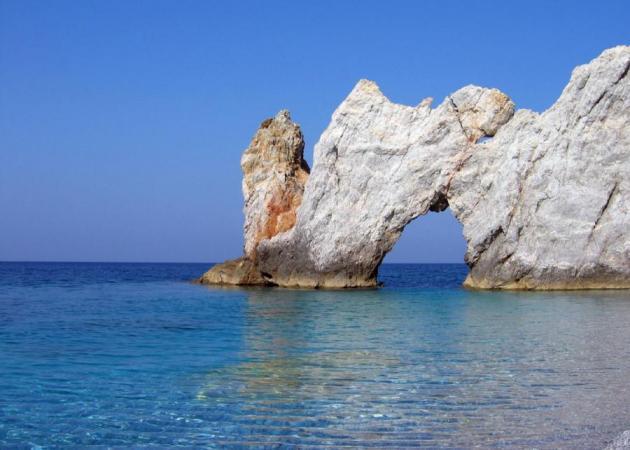 Οι διακοπές, η Σκιάθος και η παραλία που με γοήτευσε με τη σπάνια ομορφιά της | tlife.gr