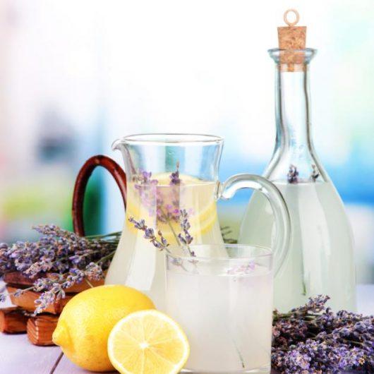 Λεμονάδα με άρωμα λεβάντας | tlife.gr