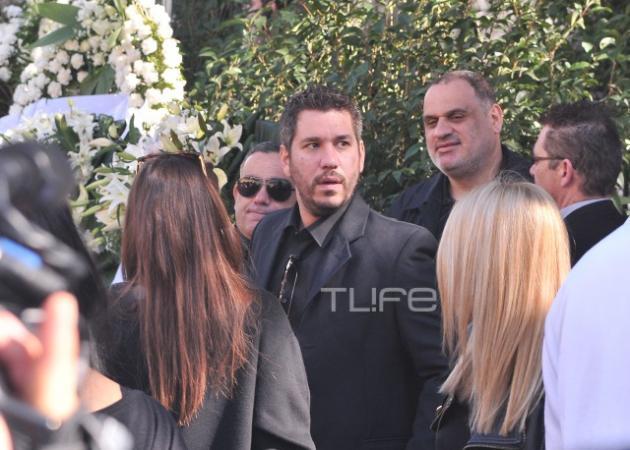 Κηδεία Παντελή Παντελίδη: Σε άθλια ψυχολογική κατάσταση ο κολλητός του φίλος, Χάρης Λεμπιδάκης